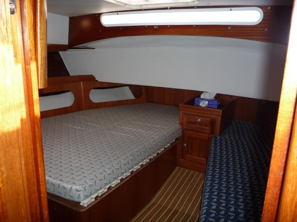 Dufour 39 CC for sale - Aft owners cabin