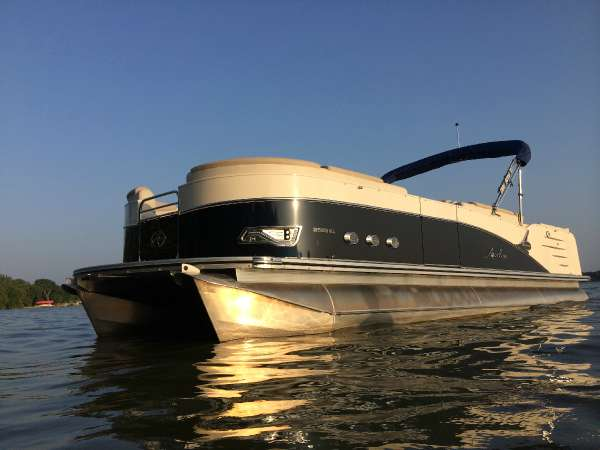 Avalon 25 ft. Paradise Elite