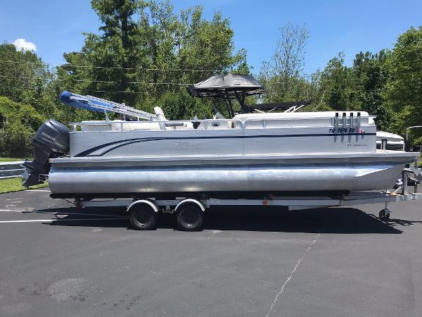 Tahoe Pontoon GT 2280 CR