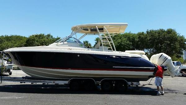 Chris-Craft Launch 36 Outboards