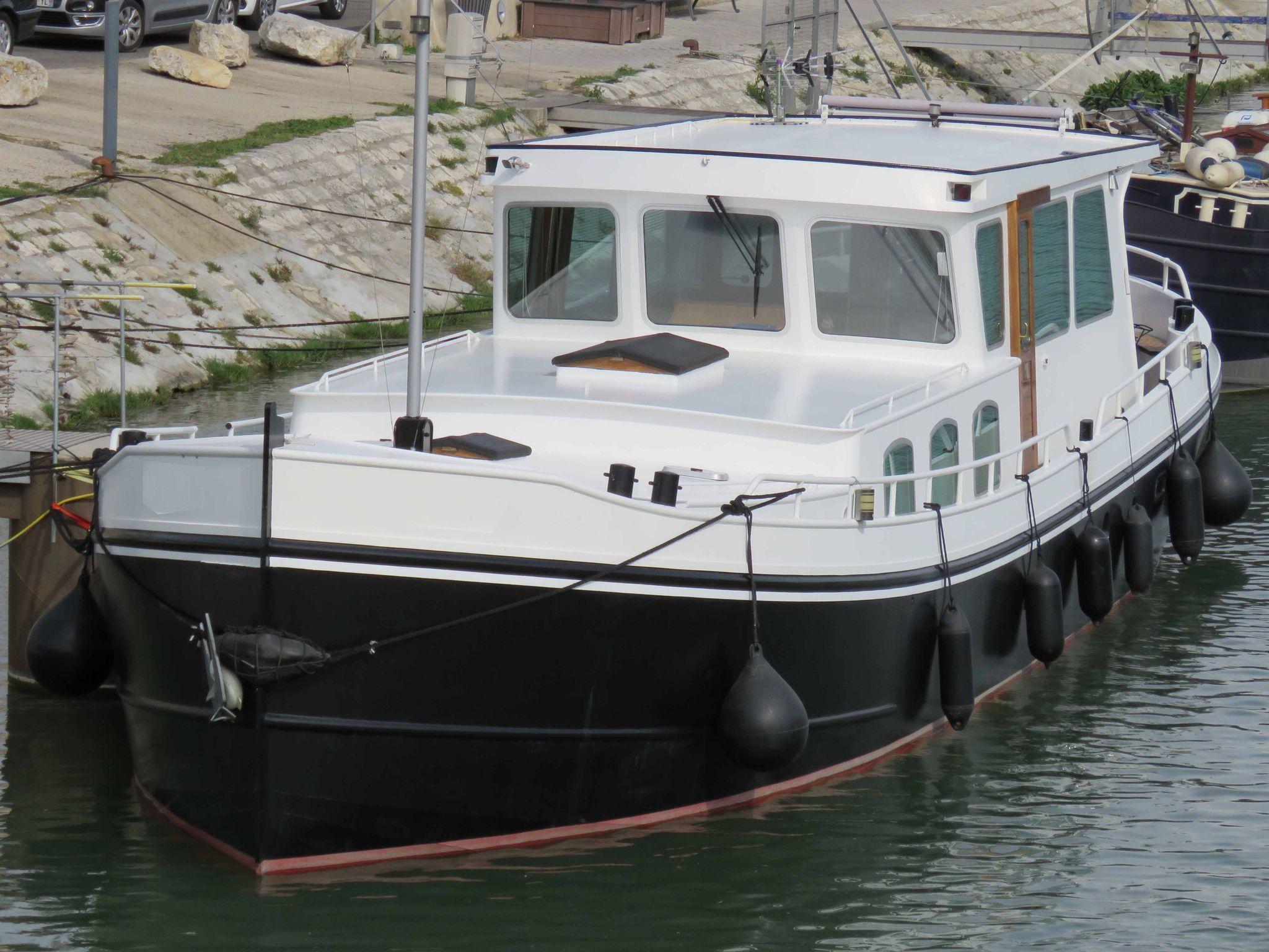 Euroship LUXEMOTOR 1800