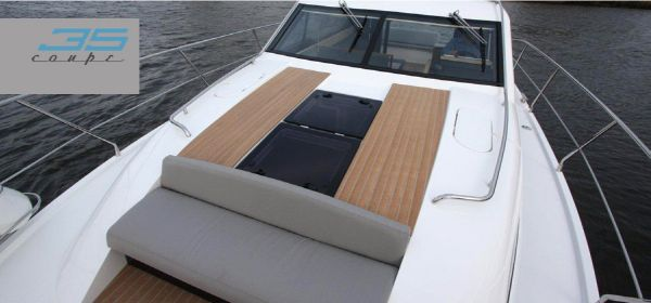 Broom 35 Coupe Foredeck Seat