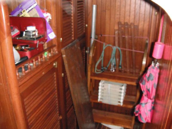 Starboard amidships generator storage