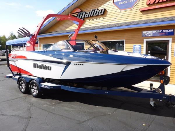 Malibu Boats Wakesetter 22 VLX