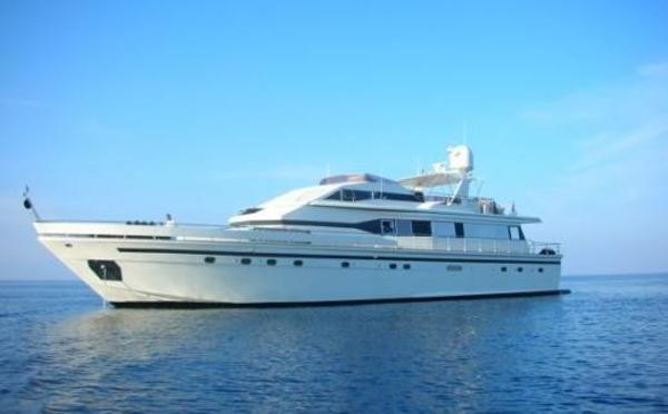 Azimut 28m  5 cabins - VAT Payed