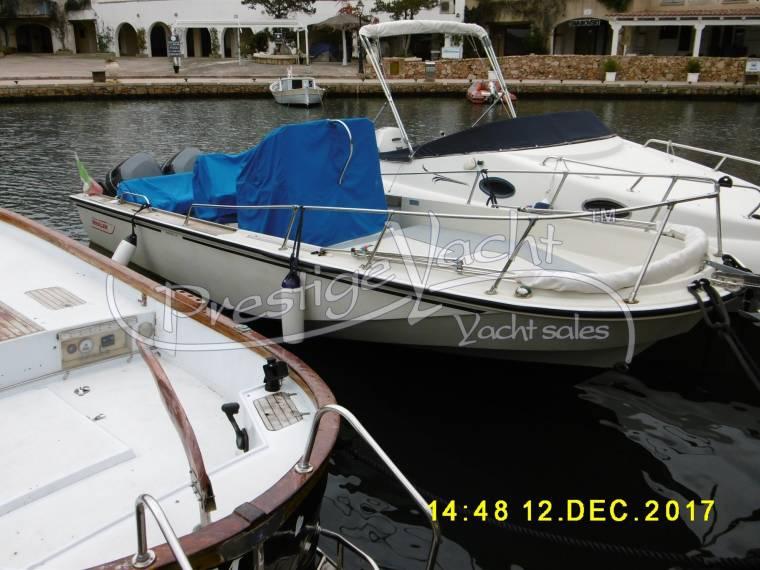 Boston Whaler Boston Whaler OUTRAGE 22