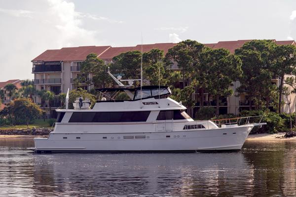 Hatteras 70 Cockpit Motor Yacht Sunplaces IV
