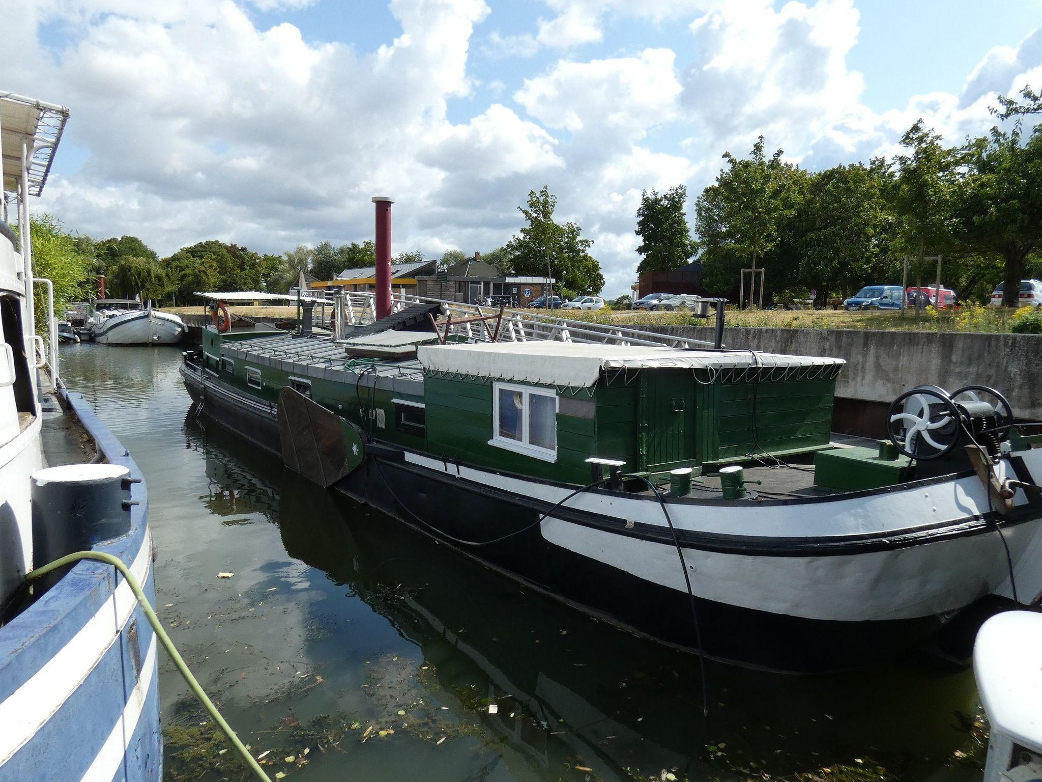 Dutch Barge Tjalk