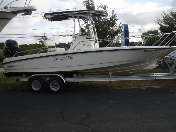 Boston Whaler 230 Dauntless
