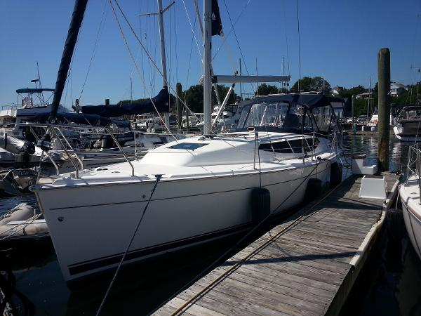 Hunter 33 Portside