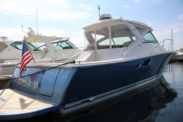 Tiara 3600 Coronet Starboard view