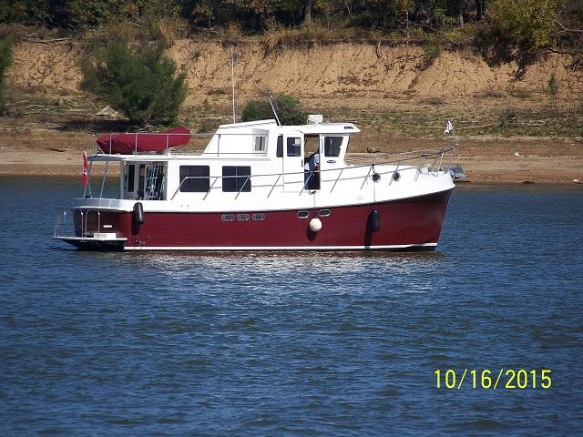 American Tug 41 Pilothouse