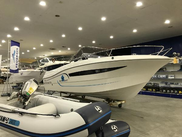 Pacific Craft 700 Sun Cruiser