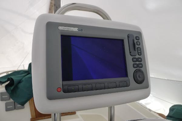 New Raymarine E90 Chartplotter