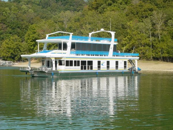 Majestic 20 x 90 Houseboat