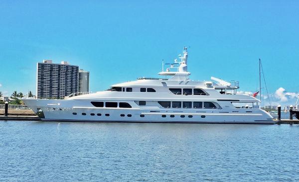 Christensen Tri-Deck Motor Yacht