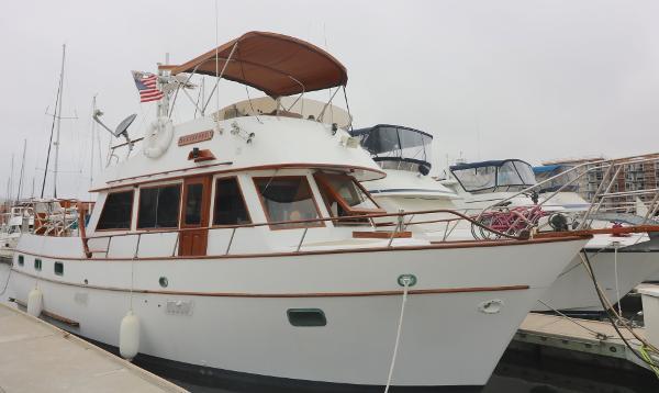Sea Ranger 39 Sundeck