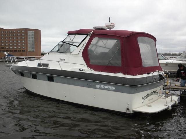 Cruisers Yachts 3370Esprit
