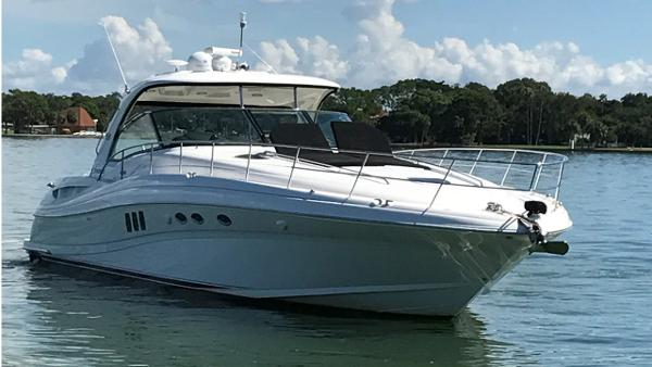 Sea Ray 52 Sundancer Profile