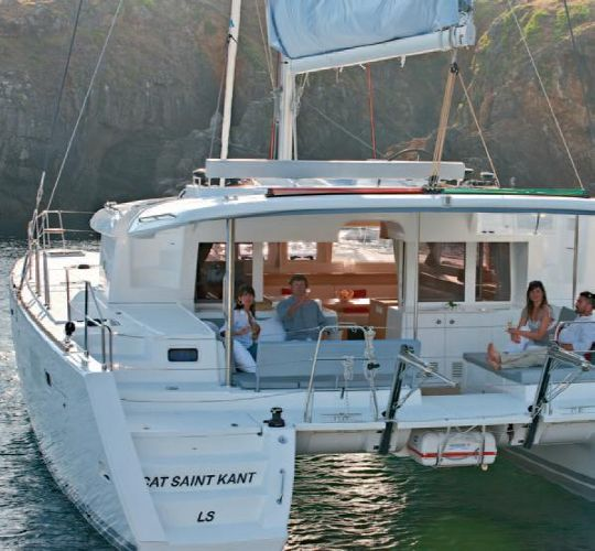 Lagoon 450 Owners Version Lagoon 450