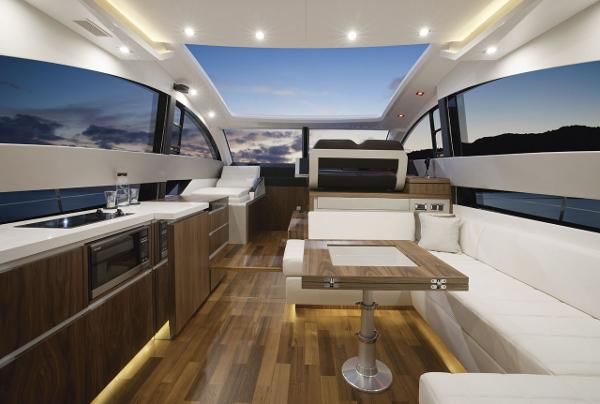 Fairline Targa 50 Gran Turismo Interior