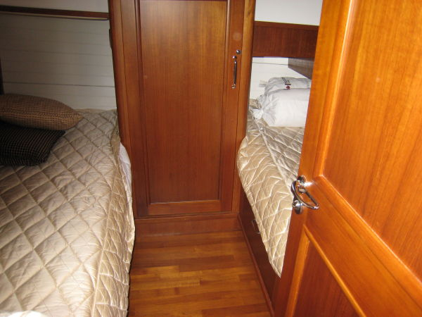 Guest cabin, single berths