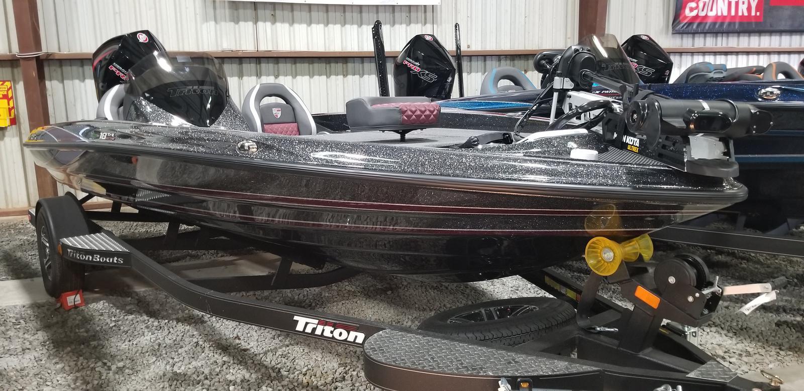 Triton 18 TrX w/200L Pro XS