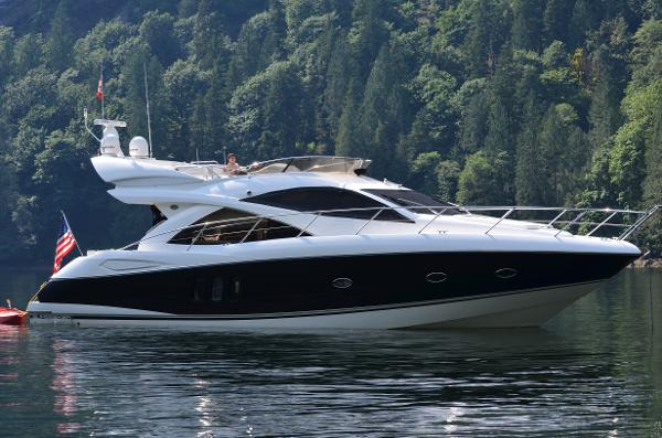Sunseeker Manhattan 50 Profile at rest
