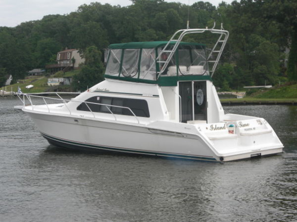 Mainship 40 Sedan Bridge Photo 1