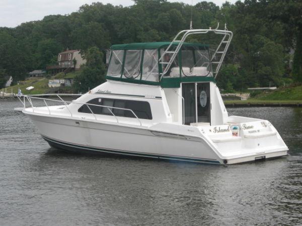 Mainship 40 Sedan Bridge Photo 1