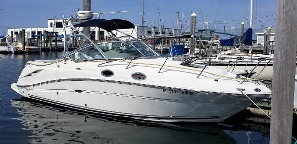 Sea Ray 270 Amberjack Port side
