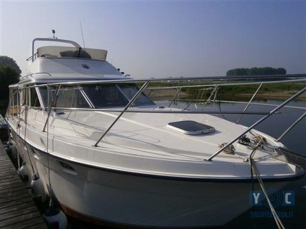 Fairline 31 FLY Corniche fairline-corniche-31-fly-huge-214522aed5c4f467[1]
