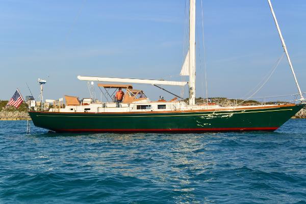 Hinckley Sou'wester 59 Hinckley Sou' wester Starboard Profile