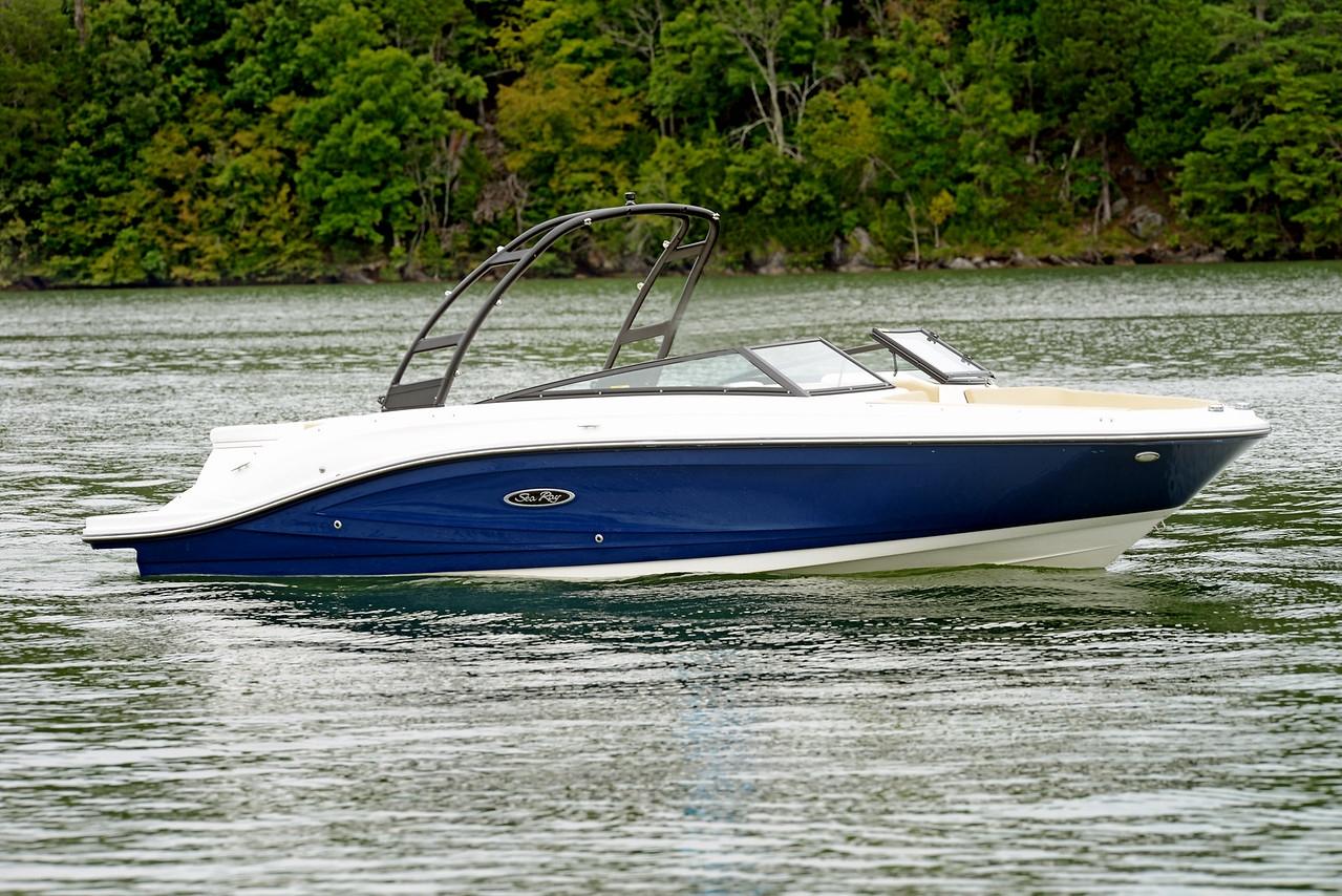 Sea Ray 230SPX