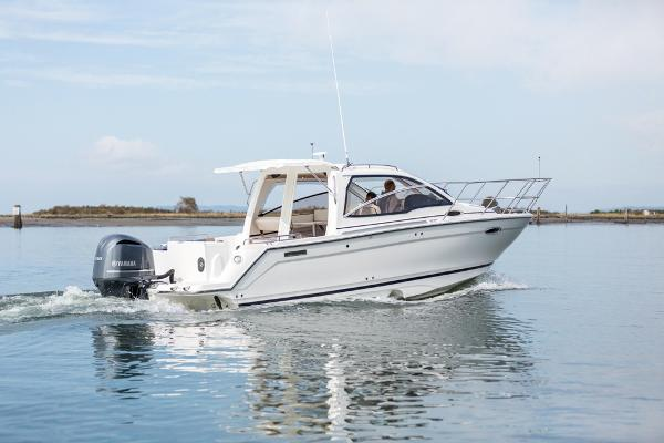 Cutwater C-242 Sport Coupe