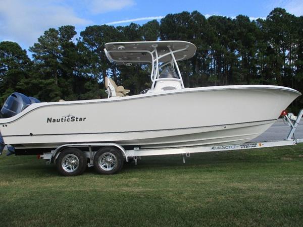 NauticStar 25 XS