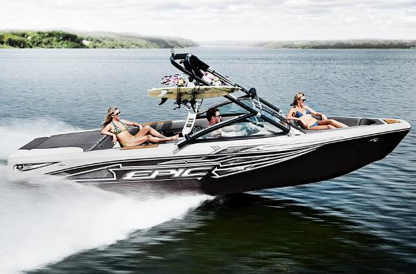 Epic 23V WAKEBOATS 2015 Manufacturer Provided Image