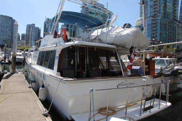 Bayliner 4588 Motoryacht Stern View