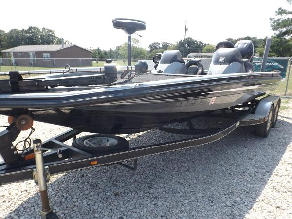 Champion Boats 210 Elite