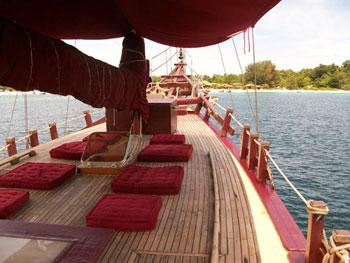 Pinisi Ketch Motor Sailing Yacht