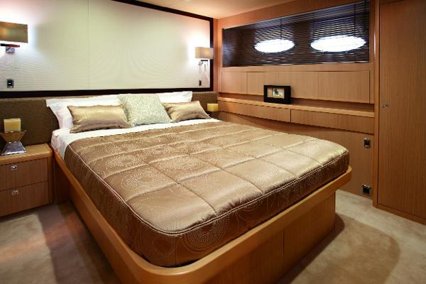 Princess Flybridge 85 Motor Yacht Guest Cabin