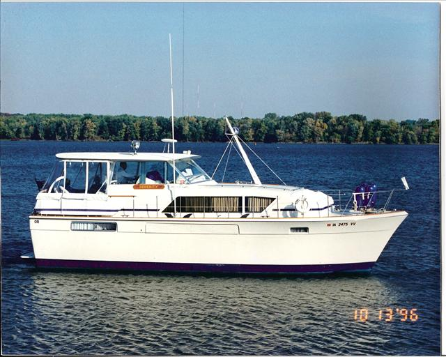 Chris-Craft 41 Commander