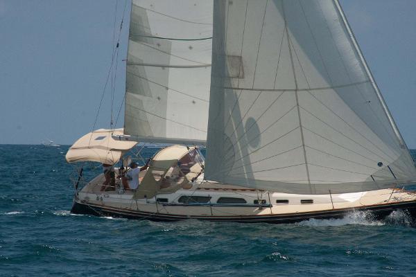 Sabre 402 Sailing