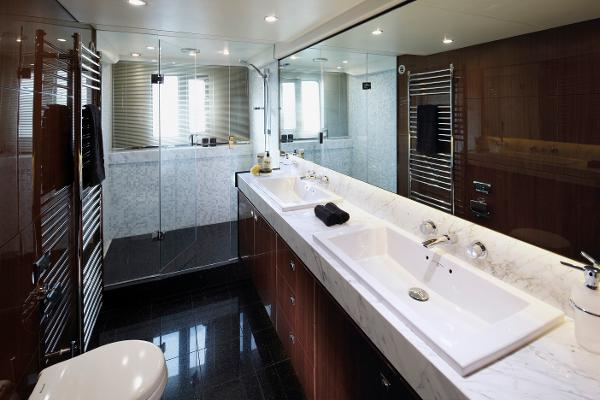 Princess Flybridge 78 Motor Yacht Master Stateroom Bathroom
