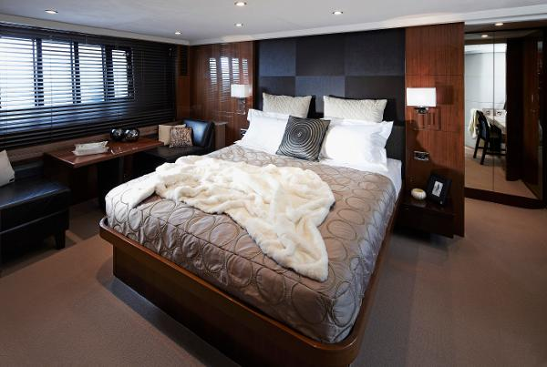 Princess Flybridge 78 Motor Yacht Master Stateroom
