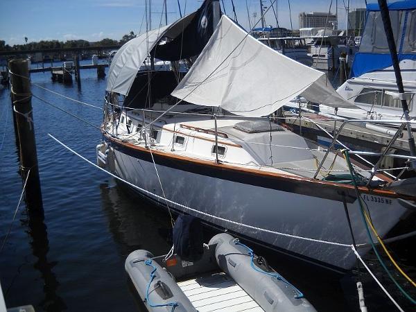 Endeavour 35 Sloop Profile