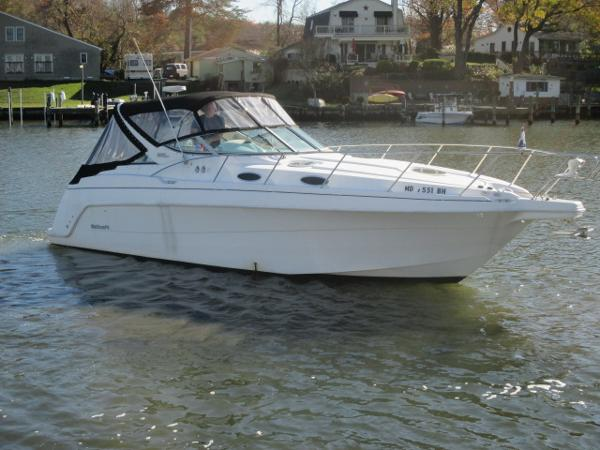 Wellcraft 3000 Martinique Starboard Bow