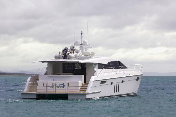 Pachoud Yachts Lola 20m Semi Displacement Cat