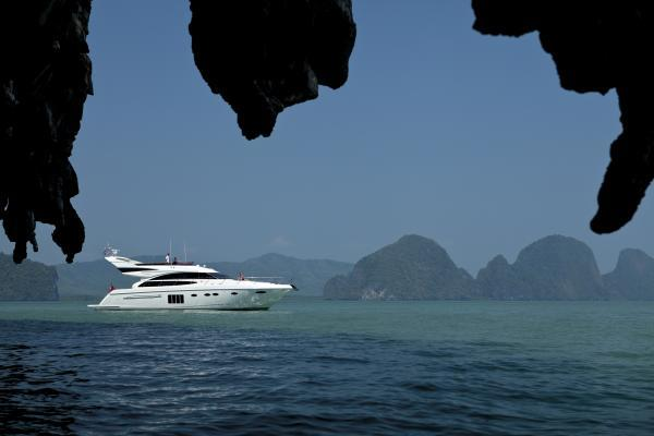 Princess Flybridge 64 Motor Yacht Side View