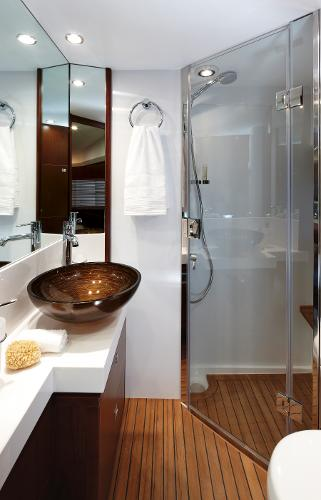 Princess Flybridge 64 Motor Yacht Forward Cabin Bathroom